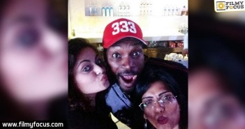 Sneha Ullal and Chris Gayle