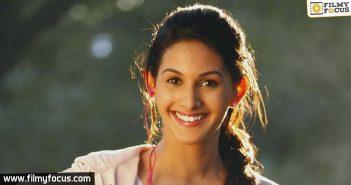 Actress Amyra Dastur, Jackie Chan, Kung Fu Yoga movie, sonu sood, emraan hashmi