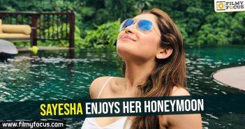 sayesha-enjoys-her-honeymoon