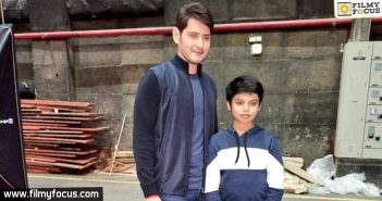Unaffected by controversy, Mahesh shoots for an Ad