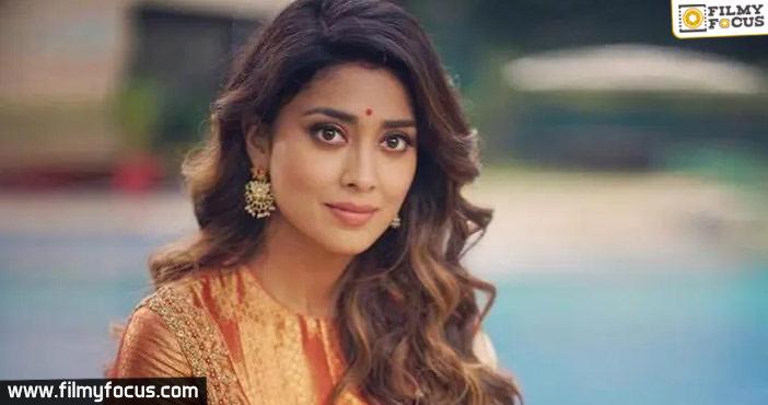 Shreya Saran to act in the direction of a debutante