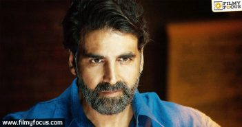 Producers look at Akshay Kumar's film closely