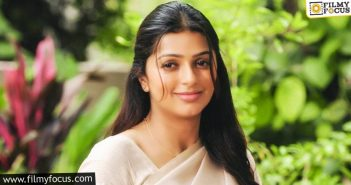Bhumika Put Rest To All Speculations On Her Divorce In Style