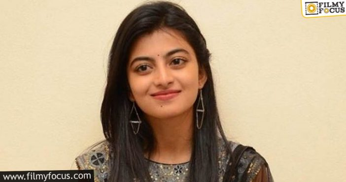 Bus Stop Fame Anandhi Finally Finding Offers In Tollywood