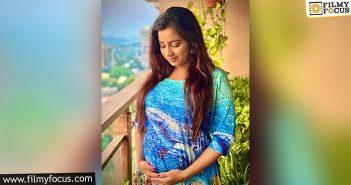 Singer Shreya Goshal Announces Her Pregnancy On Social Media