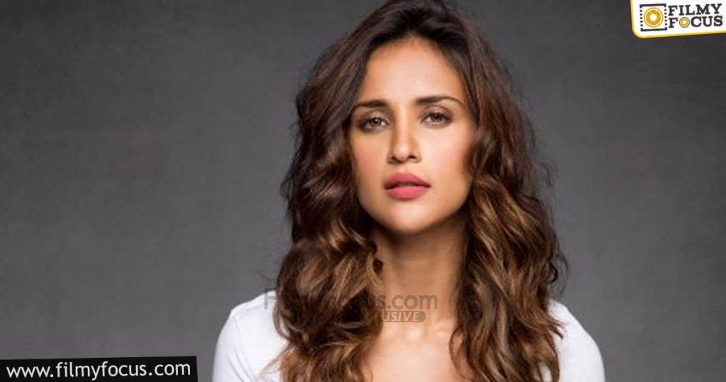 8 Aisha Sharma