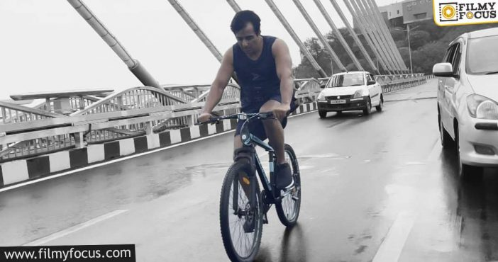 Sonu Sood Is Back In The News; Here's Why (1)