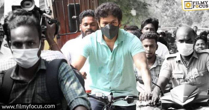 Vijay's Team Expresses No Political Touch To The Cycle Ride