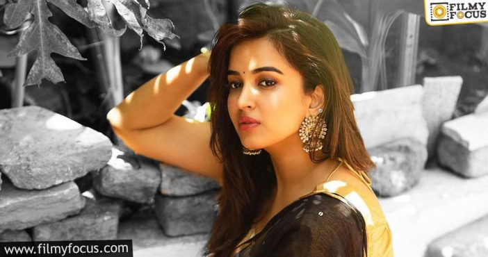 'hari Hara Veeramallu' Actress Tests Positive For Covid 19