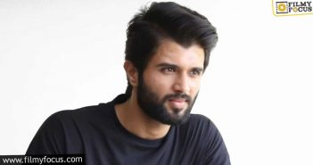 Sukumar Stroke; What's Next For Vijay Deverakonda