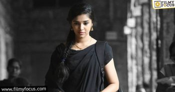 What Is The Real Reason Behind This Heroine's Rejections