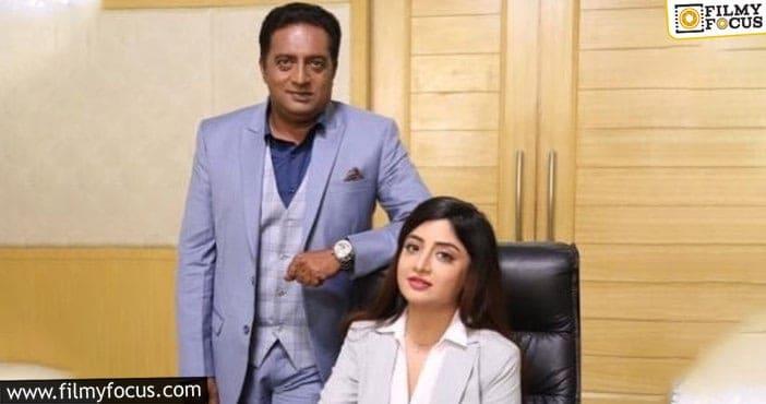 Poonam Kaur supports Prakash Raj's panel
